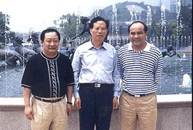 2003年,时任中共浙江省委副书记李金明考察天都城