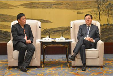 2013年4月16日,四川省委书记王东明会见楼明